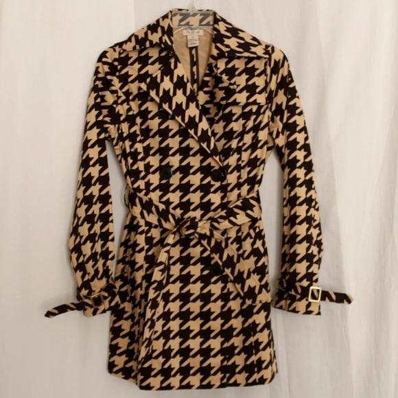 Vertigo Paris Jackets & Blazers - Vertigo Paris XS Short Trench Raincoat